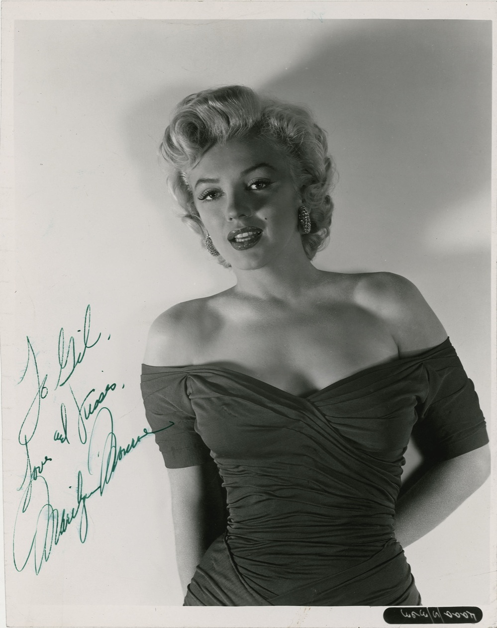 "Marilyn Monroe Autograph One of the Best, Most Classic, Provocative and Sexy Marilyn Monroe In-Her-Prime 8"" x 10"" Signed Photos One Could Hope to Own -- PSA/DNA COA"